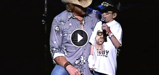 toby keith invite sings boy steal show