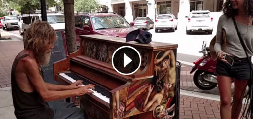 Homeless Man Plays Piano Beautifully